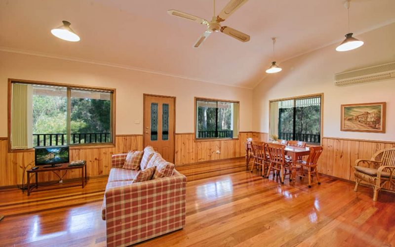 McDonald Cottage living and dining area at Glen Ayr Cottages