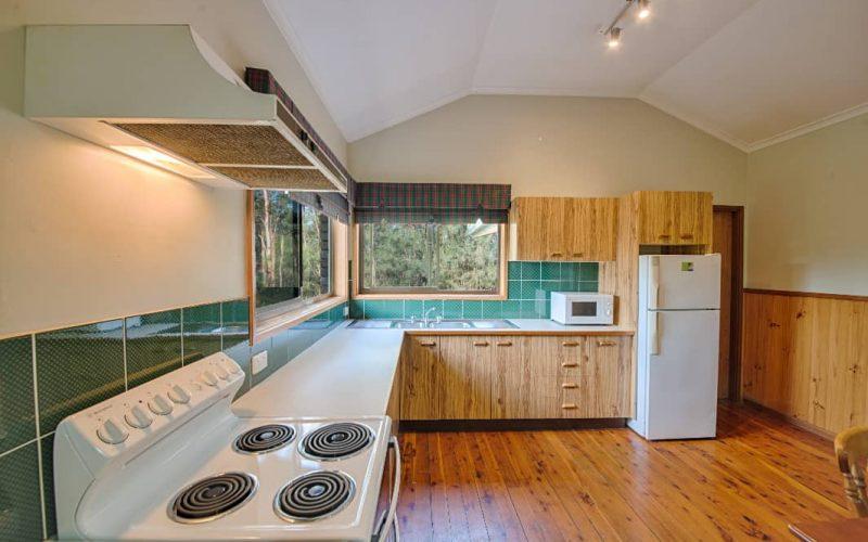 Morrison Cottage kitchen at Glen Ayr Cottages