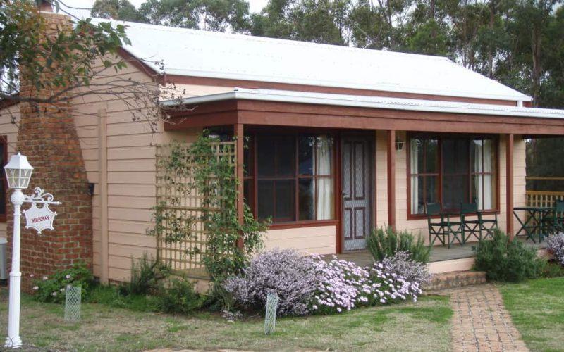 Murray Cottage front at Glen Ayr Cottages